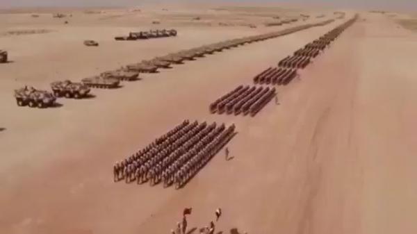 شاهد فيديو .. عرض مهيب للقوات المسلحة الإماراتية مداه بلغ النظر