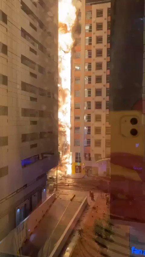 حريق مروع في منطقة المعمورة بإمارة أبوظبي (فيديو)