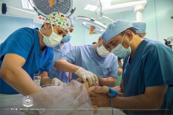نجاح عملية فصل التوأم الطفيلي اليمني