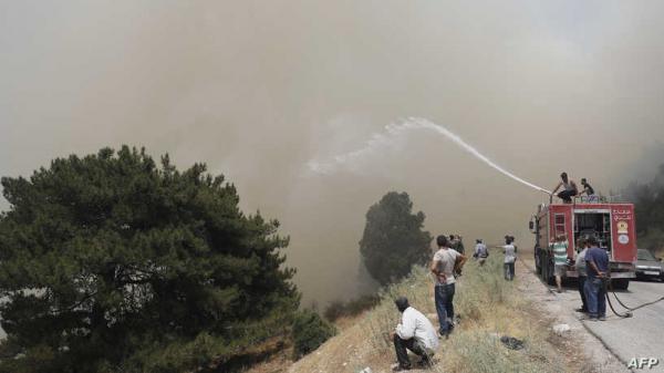 حريق شمال لبنان يمتد إلى سوريا وتركيا تخلي 20 قرية