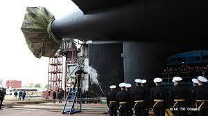 روسيا تدشن أضخم غواصاتها النووية «كراسنويارسك» (فيديو)