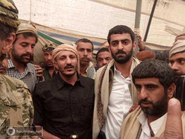 ثلاث صور مكبرة لأول ظهور رسمي للعميد طارق محمد عبدالله صالح.. ويدشنها من هذه المحافظة