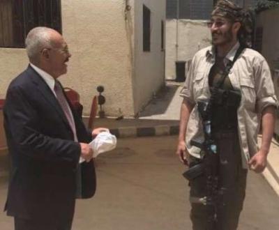 عاجل: العميد طارق صالح يبعث برسالة الى نجله ( عفاش) ويكشف مصيره