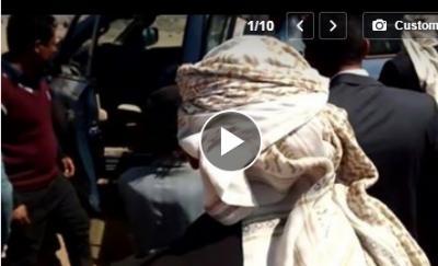 طفلة صغيرة بصنعاء بكائها يقطع القلب .. تعرف على قصتها ولماذا تم أخذها من امها بالقوة (فيديو)