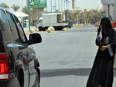 مغترب يمني يقع في قبضة الشرطة بالرياض أثناء ممارسته هذا الفعل مع فتاة سعودية