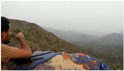 شاهد بالفيديو: قوات الجيش تقترب من قبر حسين الحوثي في مران معقل الجماعة