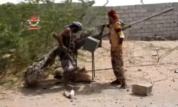 شاهد بالفيديو.. كيف تقوم جماعة الحوثي بخداع طيران التحالف في الحديدة !