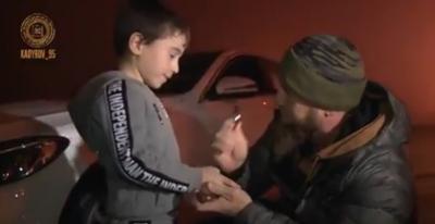 بالفيديو: رئيس الشيشان يهدي الطفل الخارق مرسيدس