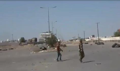 في معركة حسمت بساعة واحدة فقط.. جماعة الحوثي شنت هجوما انتحاريا بالحديدة.. شاهد بالفيديو ماذا حدث!
