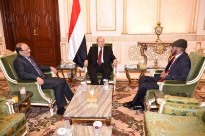 الرئيس هادي يلتقي علي عفاش في الرياض