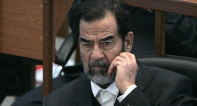 طبيب عراقي يكشف لأول مرة مشاعر صدام حسين الحقيقية لحظة إعدامه