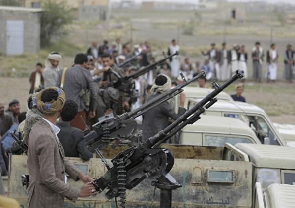 بعد فرض عقوبات عليهما.. من هما القياديان الحوثيان منصور السعدي وأحمد الحمزي؟