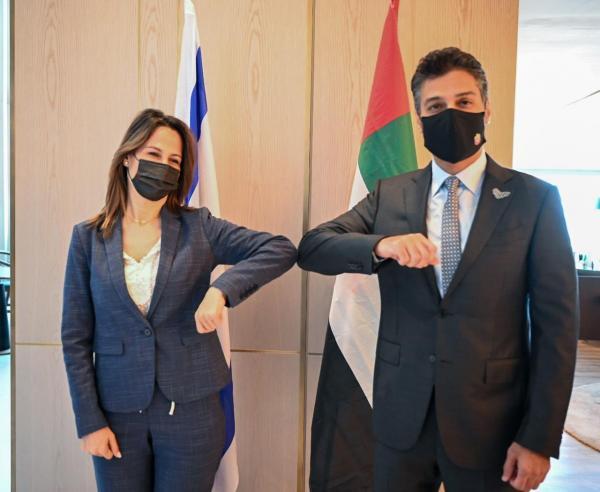 الإمارات تبدأ بتفعيل علاقتها مع اسرائيل عن طريق السياحة