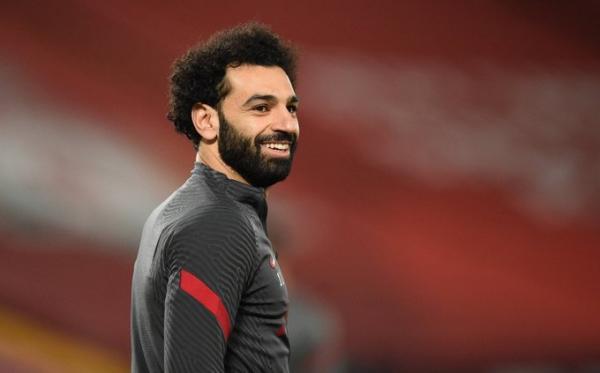 باريس سان جيرمان يبدأ مفاوضاته لضم لاعب المنتخب المصري محمد صلاح
