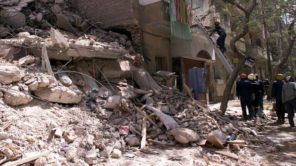 في أقل من شهر..حادث انهيار مبنى سكني  جديد في مصر يخلف قتلى وجرحى