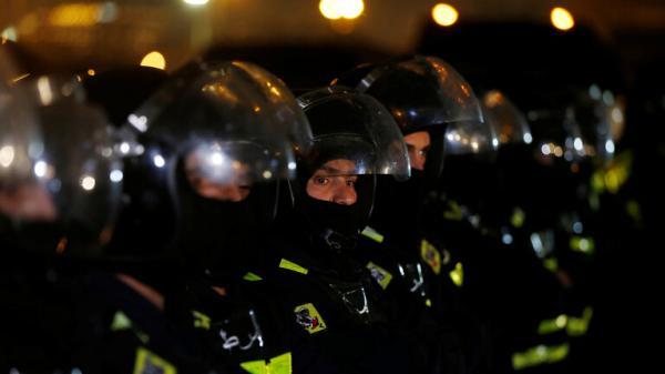 """الأردن.. توقيف ضابط وأفراد شرطة """"تجاوزوا القانون"""" مع عنصر في الجيش (فيديو)"""