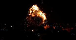 دبابات الجيش الإسرائيلي تستهدف عدة مواقع للفصائل الفلسطينية المسلحة في قطاع غزة